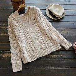YOYO - Cable-Knit Sweater
