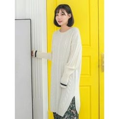 LOLOten - Contrast-Trim Long Cable Knit Sweater
