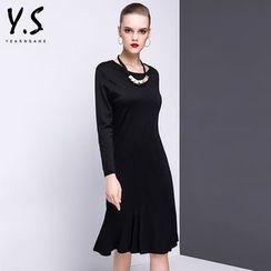 Y:Q - Long-Sleeve A-Line Midi Dress