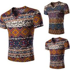Fireon - Patterned V-Neck Short-Sleeve T-Shirt