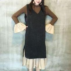 Cloud Nine - Set: Long-Sleeve Ruffle Midi Dress + Sleeveless Corduroy Dress