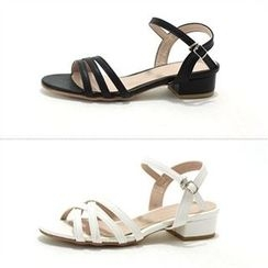MODELSIS - Buckled Kitten-Heel Sandals (2 Designs)