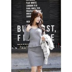 MyFiona - Set: V-Neck Peplum Knit Top + Mini Skirt