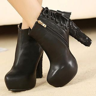 Mancienne - Lace-Panel Tasseled Ankle Boots