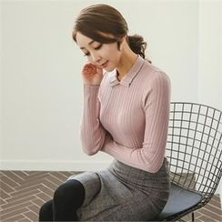 ode' - Collared Rib-Knit Top