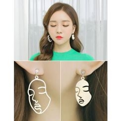soo n soo - Face Shape Dangle Earrings