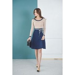 migunstyle - Color-Block A-Line Knit Dress With Sash