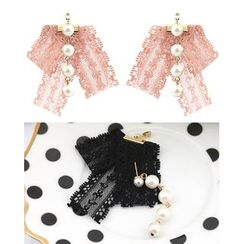 Miss21 Korea - Faux-Pearl Lace Dangle Earrings