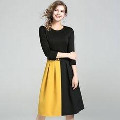 巧妮兒 - 插色七分袖A字裙配腰帶