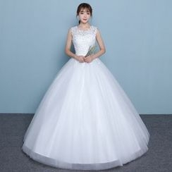 Luxury Style - Sleeveless Lace Trim Wedding Gown