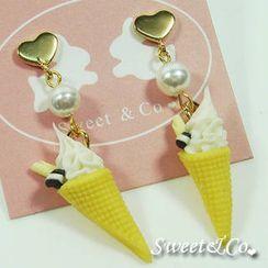 Sweet & Co. - Sweet Mini Vanilla Ice-Cream Pearl Heart Earrings