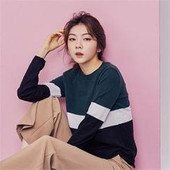 MAGJAY - Color-Black Knit Top