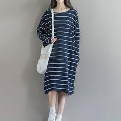 Clover Dream - Long-Sleeve Striped Midi Dress