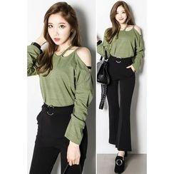 INSTYLEFIT - Cutout-Shoulder Long-Sleeve T-Shirt