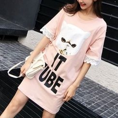 Clover Dream - Elbow-Sleeve Lettering T-Shirt Dress