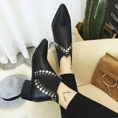 Yoflap - Studded Pointed Ankle Boots