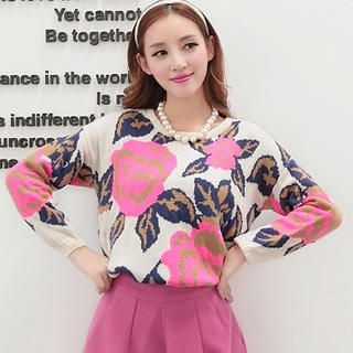 JK2 - Wool-Blend Flower-Pattern Sweater
