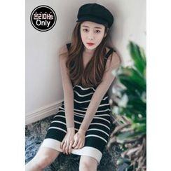 Chlo.D.Manon - Sleeveless Frill-Hem Stripe Knit Dress