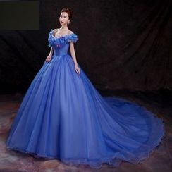 Amanecer - Butterfly Accent Off-Shoulder Ball Gown