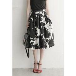 UPTOWNHOLIC - Band-Waist Patterned A-Line Midi Skirt