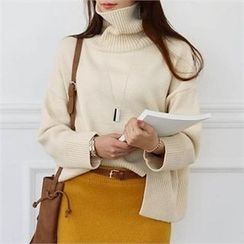 CHICFOX - Turtle-Neck Slit Sweater