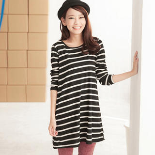 LONG-SLEEVE STRIPED T-SHIRT DRESS on The Hunt