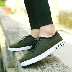 Chariot - Platform Lace-Up Sneakers