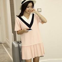 Fashion Street - Chevron Accordion-hem Short-Sleeve Dress