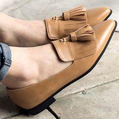 MIAOLV - 吊苏尖头平跟鞋