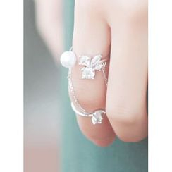 kitsch island - Faux-Pearl Knuckle Ring