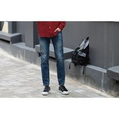 SCOU - Washed Tapered Jeans