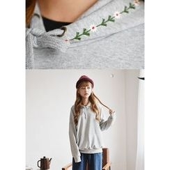 GOROKE - Flower-Embroidered Hooded Pullover