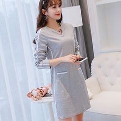 Nyssa - Long-Sleeved Shift Dress