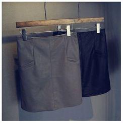 芷蓯夕 - 仿皮短裙