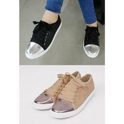 REDOPIN - Metallic Toe-Cap Sneakers