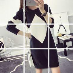 Poppy Love - Diamond Pattern Two-Tone Knit Dress