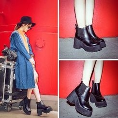 Mancienne - Chunky-Heel Platform Wing-Tip Ankle Boots