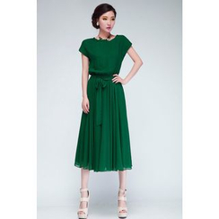 Dream a Dream - Short-Sleeve Pleated Midi Dress