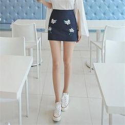 TOM & RABBIT - Flower Embroidered Mini Skirt