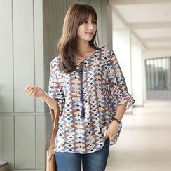 CLICK - Tassel-Neck Patterned Top