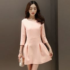 Maine - 3/4-Sleeve Dress