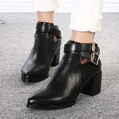Mancienne - Chunky Heel Buckled Ankle Boots