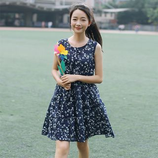 sansweet - Sleeveless Floral Dress