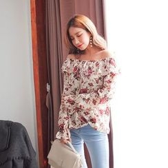 Cherryville - Off-Shoulder Ruffled Blouse