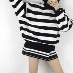 Eva Fashion - Striped Oversize Pullover