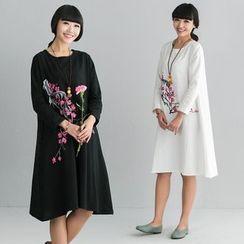 Diosa - Flower Print Long-Sleeve Midi Dress