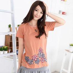 59 Seconds - Flower Appliqué Short-Sleeve T-Shirt