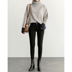 UPTOWNHOLIC - Turtle-Neck Contrast-Trim Knit Top