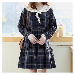 Sechuna - Round-Neck Tiered Plaid Dress