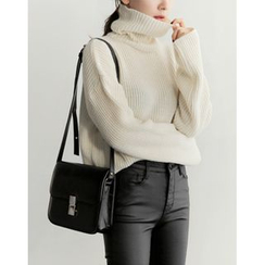 UPTOWNHOLIC - Turtle-Neck Ribbed Knit Top